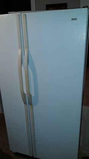 Kenmore Refrigerator for Sale in North Miami Beach, FL