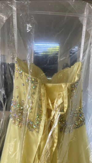 Yellow wedding dress for Sale in Fort Lauderdale, FL