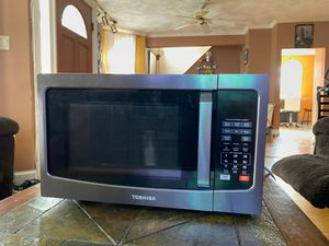 Microwave brand new. for Sale in Everett, MA