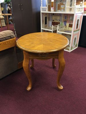 End table for Sale in Big Rapids, MI
