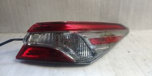 2018 2019 Toyota Camry tail light for Sale in Lynwood, CA