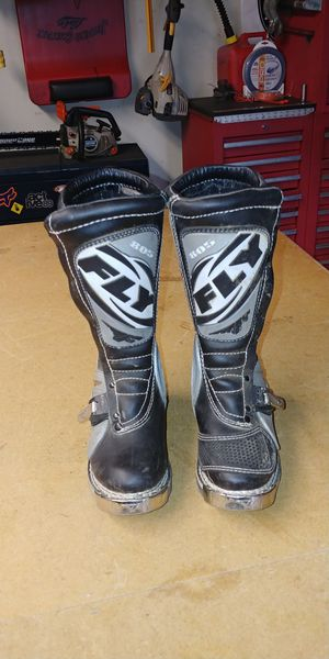 Fly 805 size 4 youth dirt bike / mx boots for Sale in Portland, OR