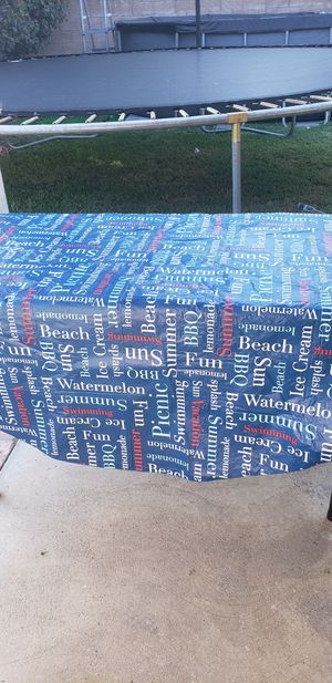 ROUND RE-USEABLE VINYL TABLECLOTH for Sale in San Fernando, CA