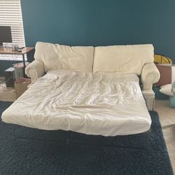 Couch for Sale in St. Cloud,  FL