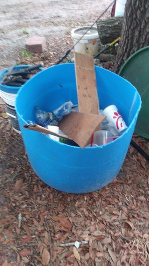 Cut barrels 55 gallon plastic for Sale in Eagle Lake, FL