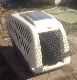 Medium size dog kennel for Sale in St. Louis, MO