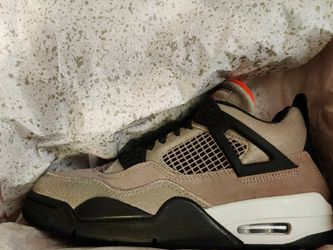 Air Jordan 4 Taupe Haze GS - Size 6Y for Sale in Kirkland,  WA