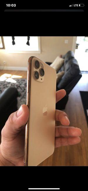 iPhone 11 Pro Max unlocked for Sale in Clovis, CA