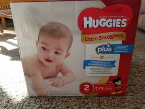 Box of 174 size 2 diapers for Sale in Payson, AZ