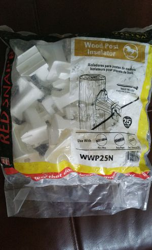 """INSULATOR FENCE WOOD POST INSULATOR, NEW BAG OF 25 W/ NAILS INCLUDED + OPEN BOX (10) PIECES 5""""EXT W/NAILS for Sale in Hampton, VA"""