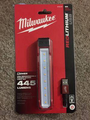 Milwaukee USB Rechargeable Floodlight for Sale in Honolulu, HI