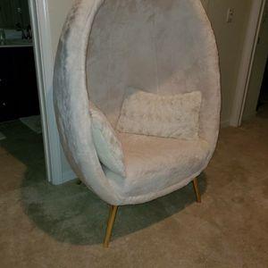 Cave chair for Sale in Pleasanton, CA