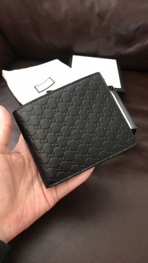 NWT Auth Gucci Bifold Wallet MicroGuccissima Black, Auth With dust bag and box. for Sale in Carlsbad, CA