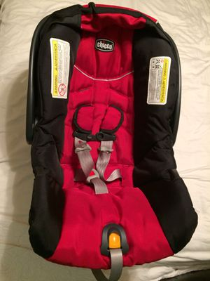 Infant car seat and base for Sale in Lafayette, IN