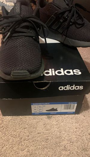 Adidas Questar Flow K for Sale in Springfield, VA