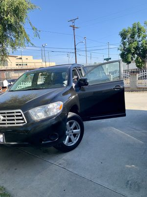 Toyota highlander2008 titulo limpio for Sale in Bell Gardens, CA
