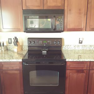 Microwave and Oven for Sale in Peoria, AZ
