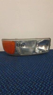 Left side GM 16524541 Headlight Lamp Assembly w/ Bracket 16524543A for Sale in Everett, WA