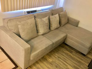 Sectional couch for Sale in San Lorenzo, CA