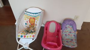 Fisher price vibrating bassinet and adjustable and fixed baby baths for Sale in Dallas, TX