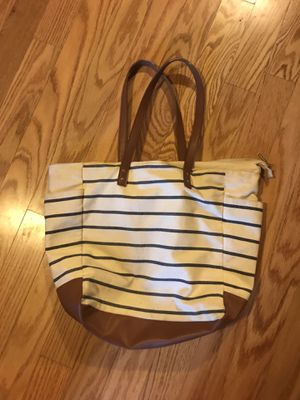 Tote Bag (zips closed) for Sale in Memphis, TN
