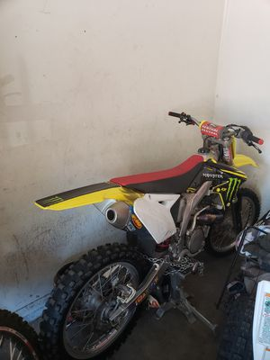2012 RMZ 450 LOW HOURS for Sale in CRYSTAL CITY, CA