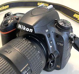 Nikon D750 camera/16-35mm lens for Sale in Apopka,  FL