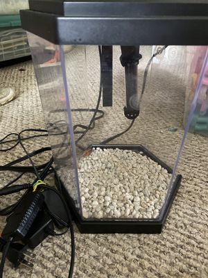 Beta fish tank with heater and thermometer for Sale in Raleigh, NC