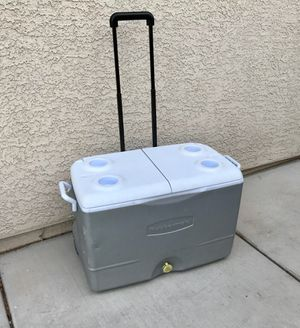 Rubbermaid 50qt Cooler for Sale in Las Vegas, NV
