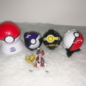 4 LOT Pokemon Trainer Toy KANTO Bounce Balls Action figures for Sale in San Leandro, CA
