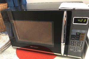 Emerson 1.2 Cu. Ft. 1100W Black Microwave with Grill for Sale in Boynton Beach, FL