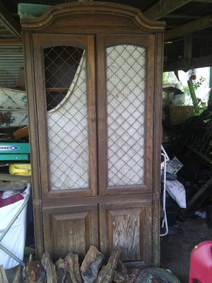 Antique wooden kerio cabinet for Sale in Marksville, LA