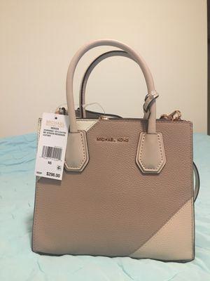 Michael Kors Mercer Messenger Bag for Sale in Los Angeles, CA