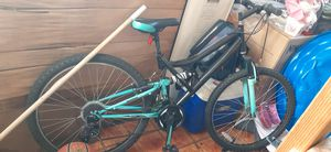 Mountain bike for Sale in Hialeah, FL