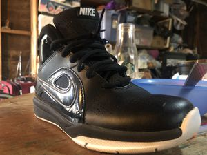 Nike shoes like new 4.5 boys for Sale in Reedley, CA
