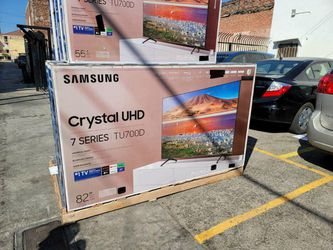 """82"""" SAMSUNG 7 SERIES CRYSTAL 2020 4K SMART UHD HDR LED TV for Sale in Castaic,  CA"""