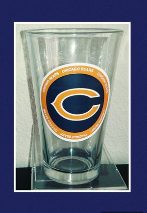CHICAGO BEARS 16 OZ ETCHED PINT GLASS for Sale in Las Vegas, NV