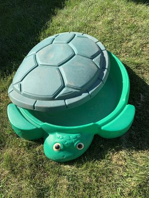 Little tikes sandbox with lid for Sale in Frankfort, IL