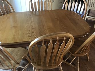 Table And Chairs for Sale in Covington,  WA