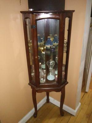 Curio cabinet for Sale in Minneapolis, MN