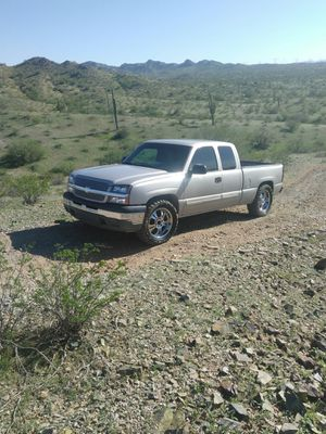 2005 Chevy Silverado extended cab for Sale in Phoenix, AZ