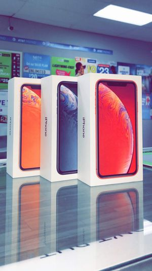 Phone XR!! Brand New / Like New!! Factory Unlocked for TMobile At&t Cricket Metro and more!! 256gb, 128gb, 64gb starting @ for Sale in Arlington, TX