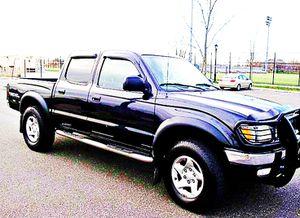 ֆ14OO 4WD Toyota Tacoma 4WD for Sale in Lakewood, CA