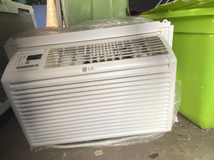 LG Window AC Unit - 6,000 BTU for Sale in Houston, TX