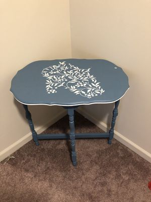 Antique table for Sale in Wytheville, VA