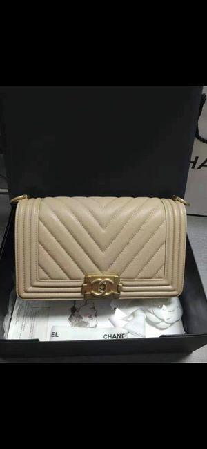 Chanel beige chevron medium bag for Sale in Queens, NY