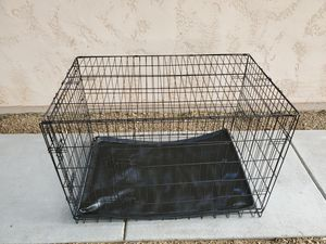 """Large Collapsable 2 Door Dog Crate Kennel Cage - Tray is Sun Warped but Functional - 29"""" x 26"""" x 40"""" for Sale in Goodyear, AZ"""