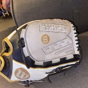 Wilson Softball Glove for Sale in Yorba Linda, CA