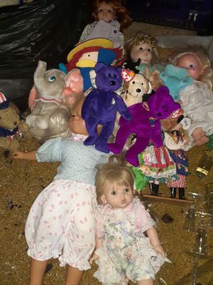 Large lot of dolls/beanies/stuffed animals for Sale in Boston, MA
