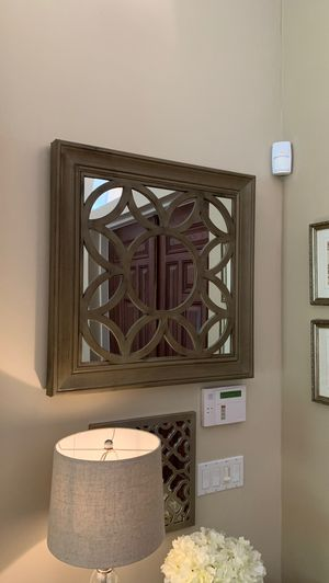 Large mirror wall hanging for Sale in Port St. Lucie, FL